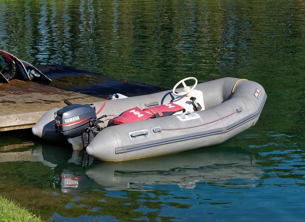 outboard-motor-970861_1920